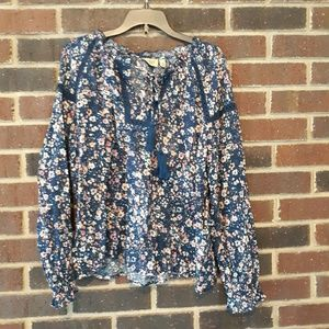 Juniors Navy Floral Top Size XS True Craft